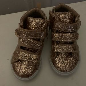 A nice pair off sneakers for kids
